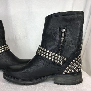 Luxe by JustFab Leather Studded Black Bootie Sz 9